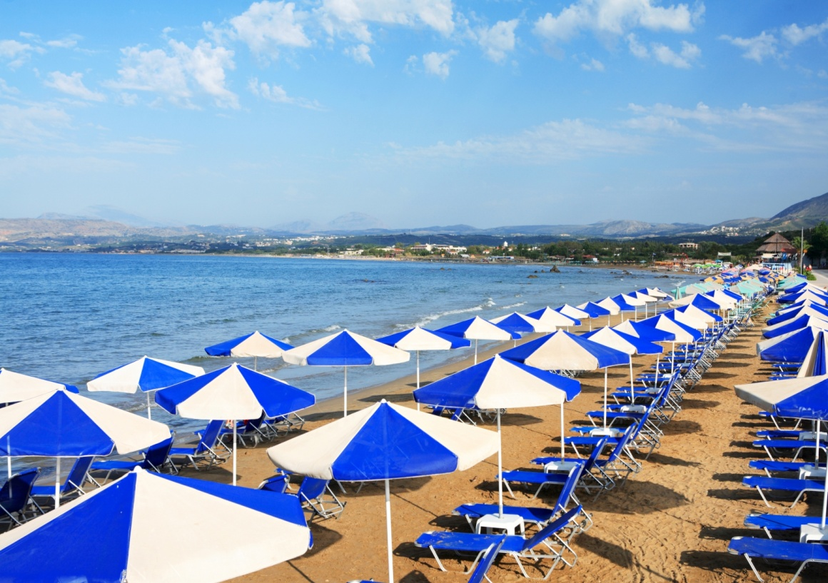 'A view of sunbeds awaiting tourists at the Greek island resort of Georgioupolis on Crete's north coast.' - Χανιά