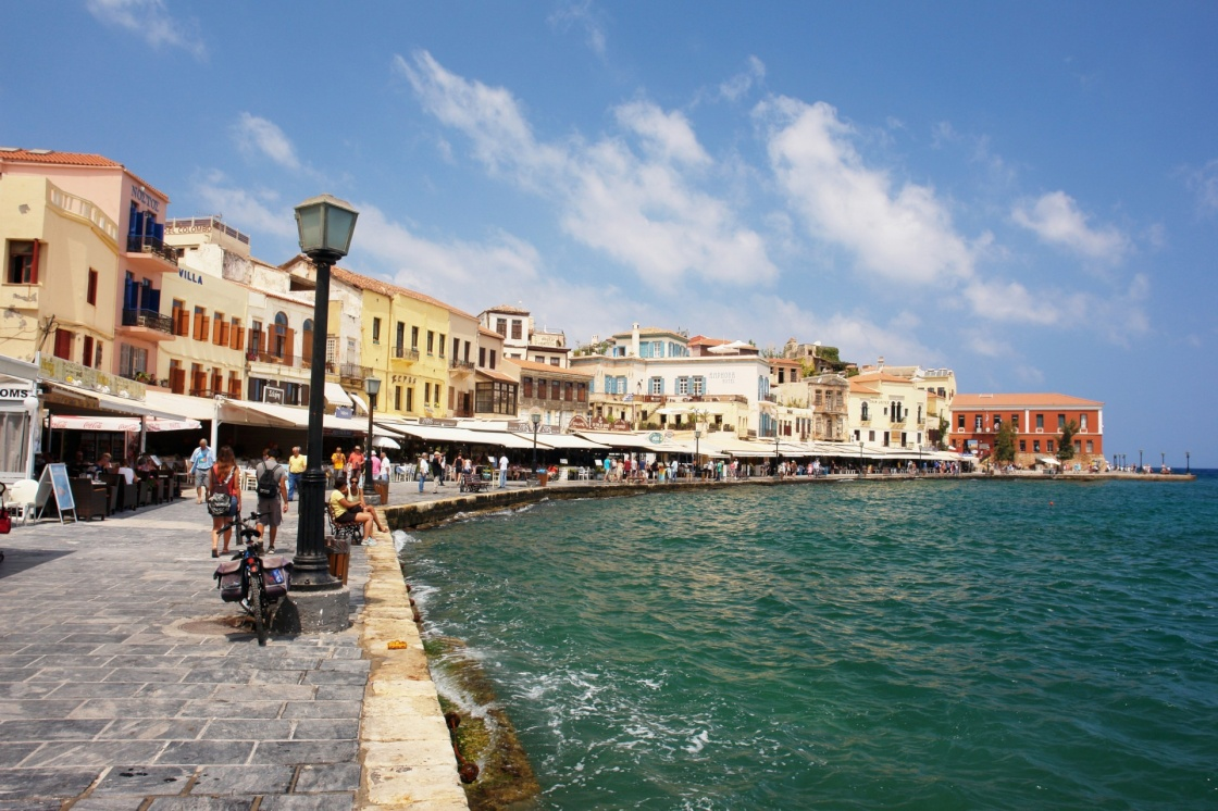 'View of the old port of Chania, Crete' - Χανιά